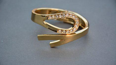 Promise rings for women